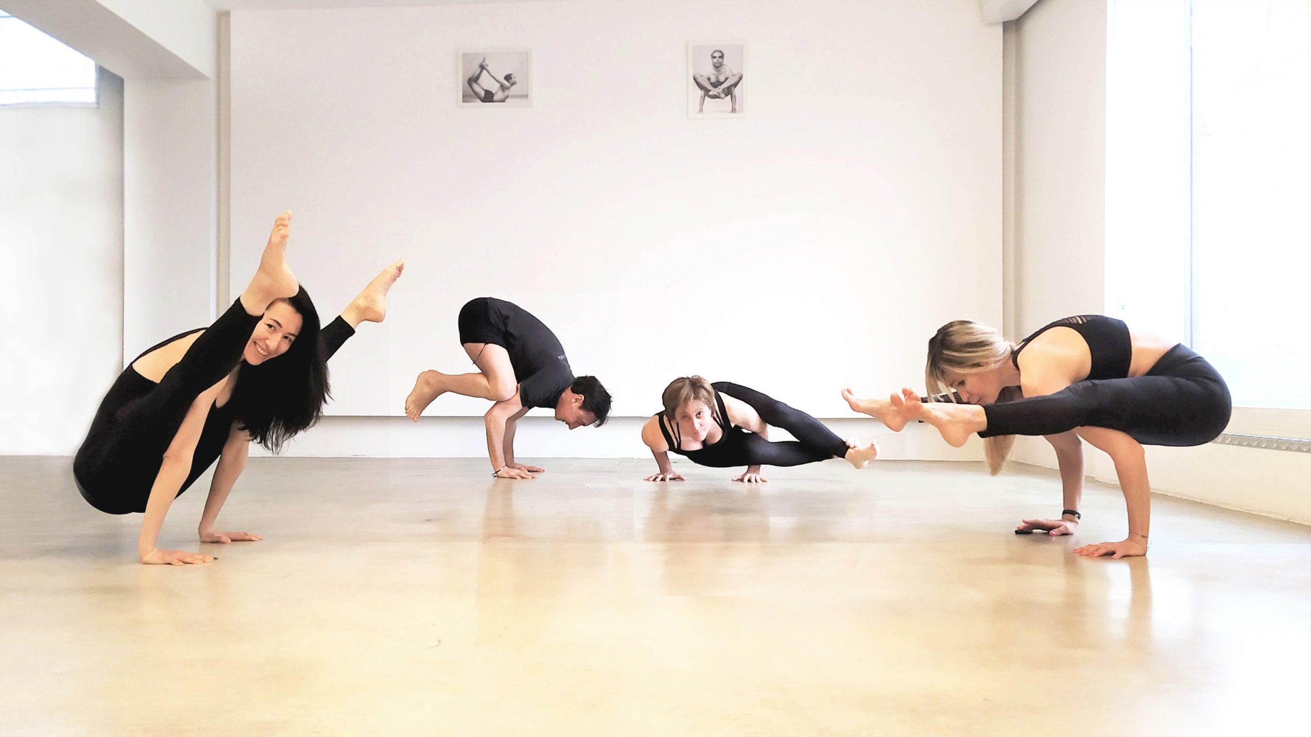 yoga_india_padova_arm_balance (2)